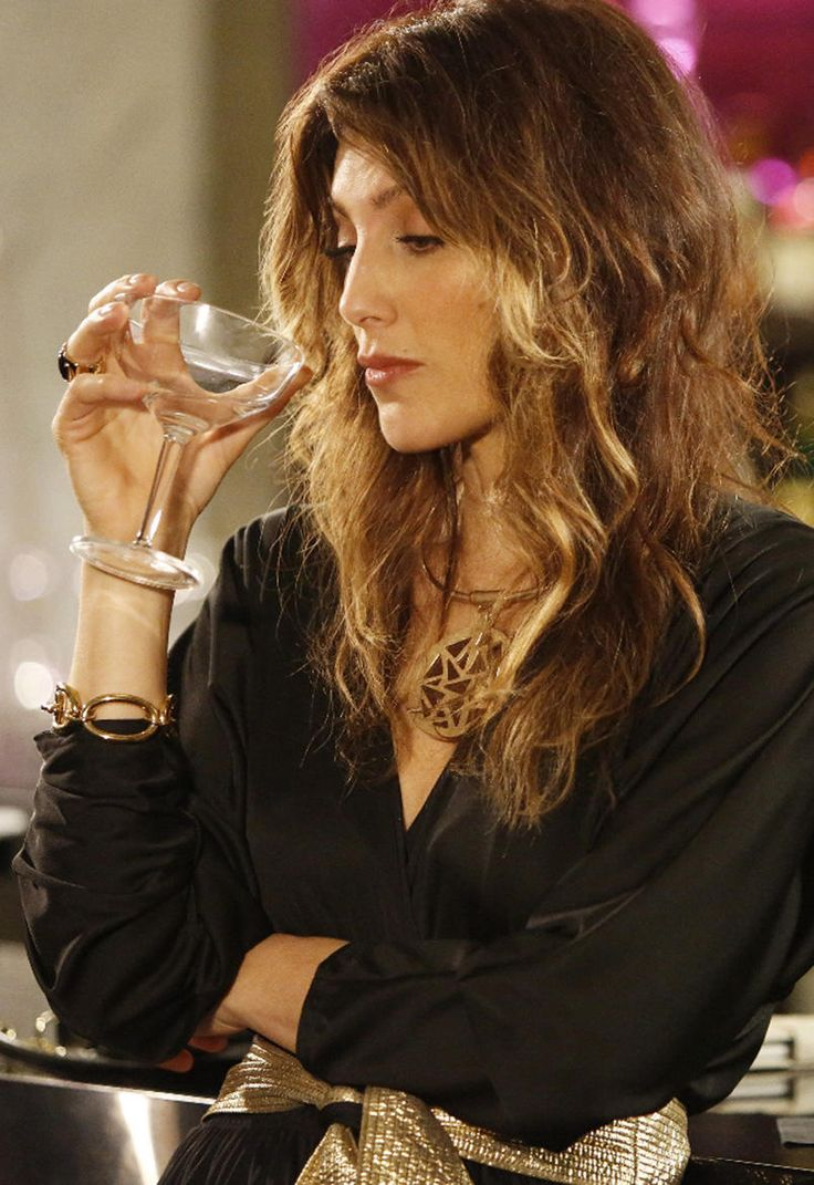 Mistresses Exclusive First Look: Does Jennifer Esposito Make a Good Replacement for Alyssa Milano?