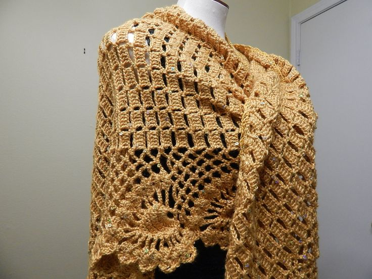 Chal con orilla de piñas lo puede tejer en medida pequeña mediana y grande, para esta talla grande utilizé 500 grs.