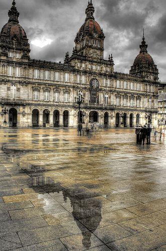 City Hall reflections. Coruña.                  Reflejo del ayuntamiento