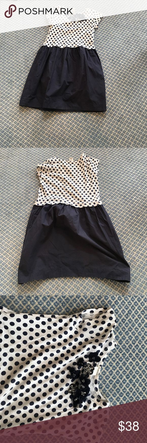 Crewcuts Kids Navy Blue and White Polka Dot dress. Size 8, Navy Blue And White Crewcuts Kids dress with shimmering flowers. In amazing condition. Crewcuts Dresses Casual