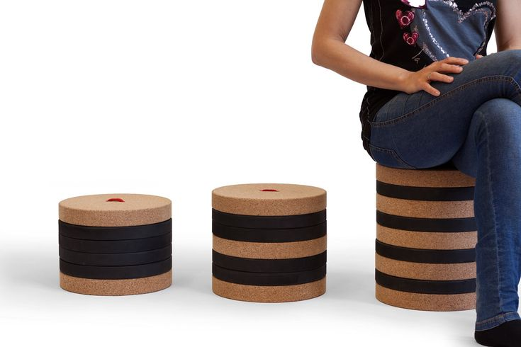 TORONTO: An Adjustable Stool For Playing
