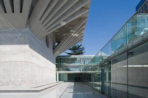 Arquitectos:Izquierdo Lehmann/ Luis Izquierdo W., Antonia Lehmann S.B. Ubicación:Santiago,Chile Ingeniería Estructural:Santolaya y Asoc....