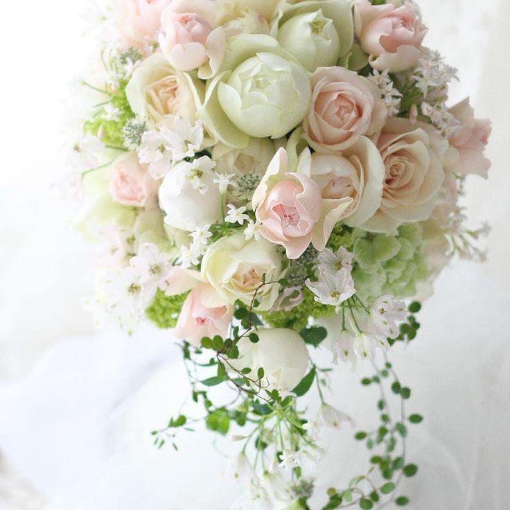 台風の日は淡あわピンク  こちらの花嫁さんも可愛かった!! ご新郎と二人で、レッスンでたくさん手作りして当日飾りました。http://ichiecarpe.exblog.jp/17242748/  #ブーケ#ウェディング#ウエディング#ブライダル#ウェディングフラワー #ウェディングブーケ#結婚#結婚式#結婚準備#結婚式準備#プレ花嫁#花嫁#綱町三井倶楽部#キャスケードブーケ #一会 #ウェディングDIY#レッスン#フラワーレッスン #ピンク#2012 #2016秋婚 #花嫁準備 #挙式#bouquet #wedding