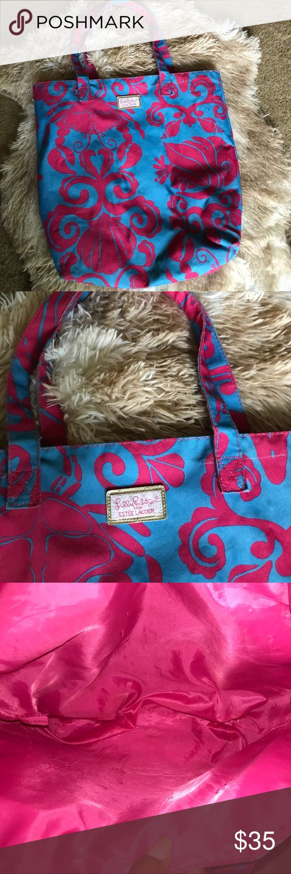 Lilly Pulitzer tote Used twice beautiful design clean interior Lilly Pulitzer Bags Totes