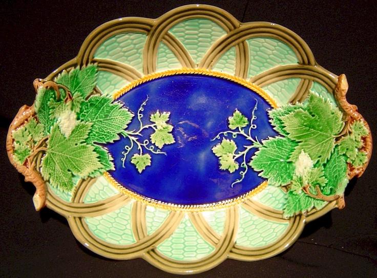 Majolica platter with grape leaves: Beautiful China, Ceramics Pottery, Baskets Platters, Wedgwood China Patterns Blues, Circa 1880, Beautiful Plates, Beautiful Majolica, Deep Blue, Dark Deep