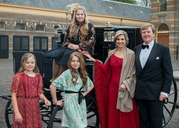 Newmyroyals: Dutch Royal Christmas Card photo, 2017-King Willem-Alexander and Queen Maxima with Princess Amalia (on the carriage), Princess Ariane and Princess Alexia; taken in April 2017 during the King's 50th birthday celebrations