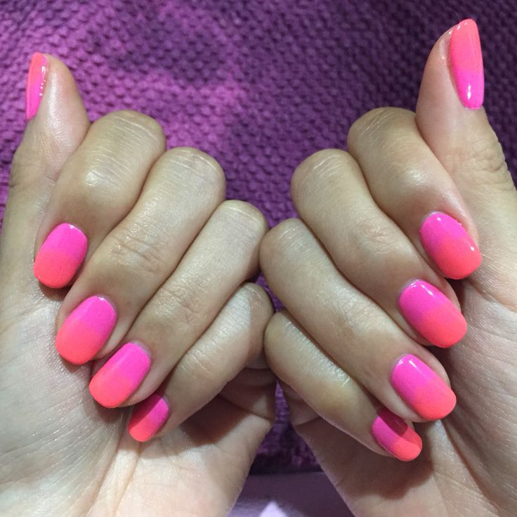 Ombré pink and coral nails done at OKS Luna Nail art