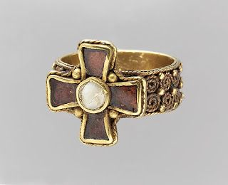 Gyűrű (Európa) - Hagyomány és múltidéző