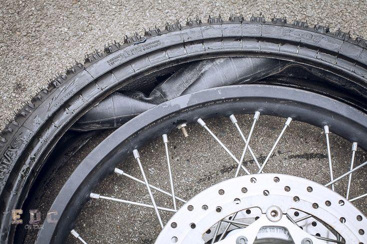 Remonter un pneu sans pincer la chambre à air