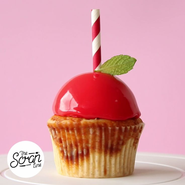 Made with white chocolate and dulce de leche, this is one candy apple worth trying.                                                                                                                                                                                 More
