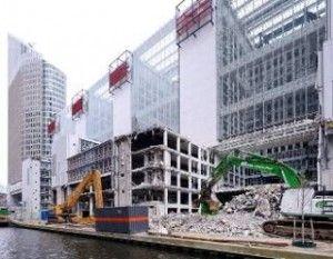 """[sam id=""""2"""" codes=""""true""""]Bijna al het sloopmateriaal dat tijdens de renovatie van het voormalige ministeriegebouw van VROM in Den Haag overblijft, wor... Hergebruik sloopmateriaal oude Vrom-gebouw"""