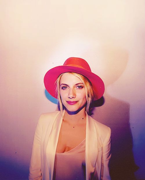 Mélanie Laurent: Fancy, Ass Women, Hats Head, Hats Heat, Red Hats, Beauty People, Famous Inspiration, Awesome People, Amazing Styles