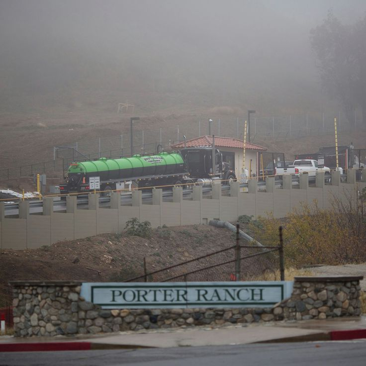 (Porter Ranch, CA)  --  Despite reports of natural gas smells, Southern California Gas Com