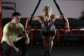 Muskelaufbau Fitnesstipps und Geheimnisse. Schnell, Trainingsplan, Tipps, richtige Übungen, Wiederholung, Anatomie, Supplements und Ernährung Frauen ...