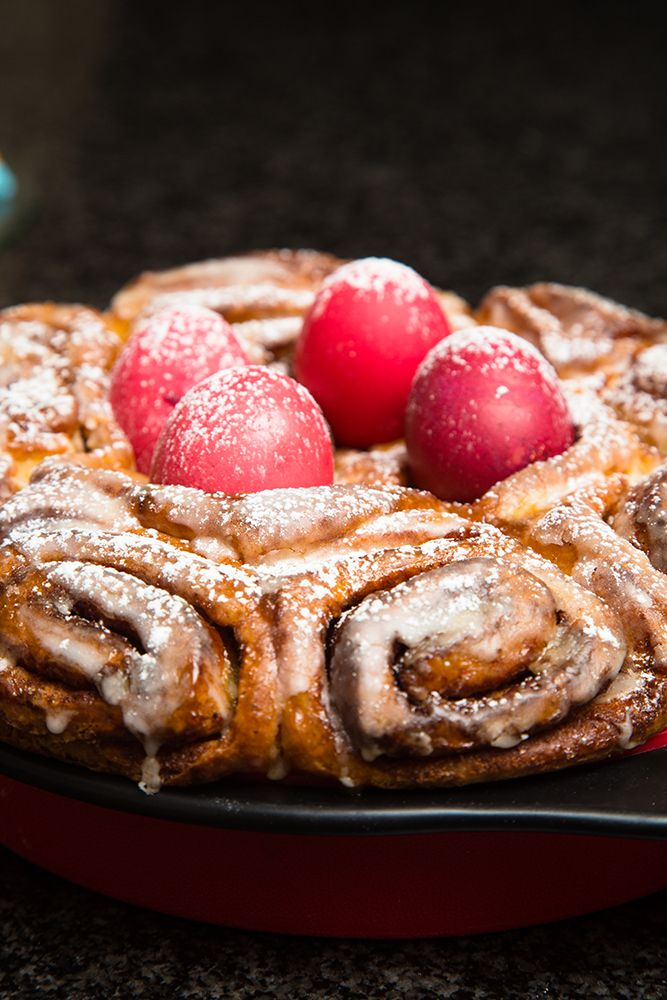 The recipe for this decadent Swedish Easter Bread (cinnamon buns) can be found on www.houseofyork.co.za. #easterbread #cinnamonbuns #recipe