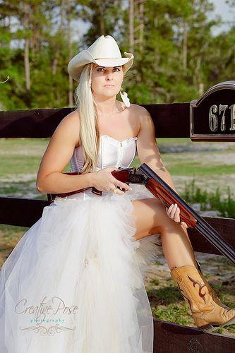Best 25+ Cowgirl wedding ideas on Pinterest | Cowboy wedding ...