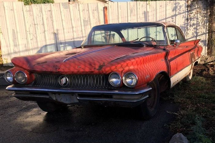 French Sword: 1960 Buick LeSabre - http://barnfinds.com/french-sword-1960-buick-lesabre/