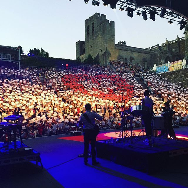 Carcassonne last night!! Fan surprise. Amazing what a good idea and some pieces of paper can achieve. Was blown away. Thank you so much. MERCI!!!!❤️❤️❤️❤️❤️❤️