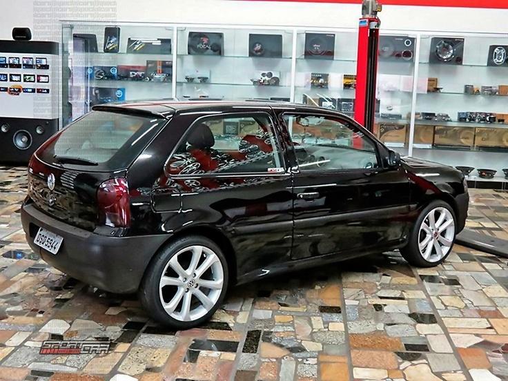 "VW Gol G4 rebaixado preto, molas esportivas Red Coil, rodas aro 17"" Power G5 - Black VW Gol MK4, dropped with sport springs, Power MK5 model 17"" wheels"