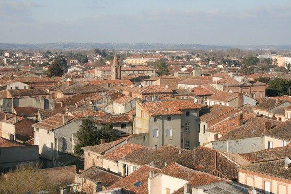 """Castelsarrasin en Tarn-et-Garonne (82) le site officiel de la commune """" Montalbanais in factes avec Tatiana."""""""