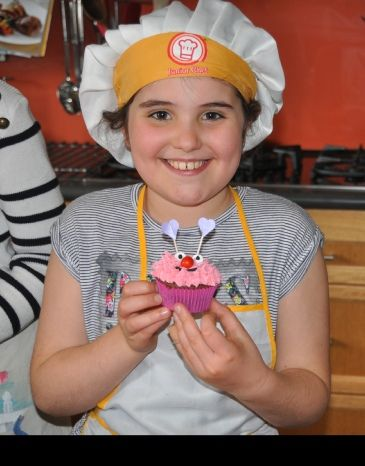 School Holiday classes, New class - Mixed Designs using lolly decorations with Artistry In Icing School of Cake Design,  Butter Cream # Piping Skills # Cake Decorating #