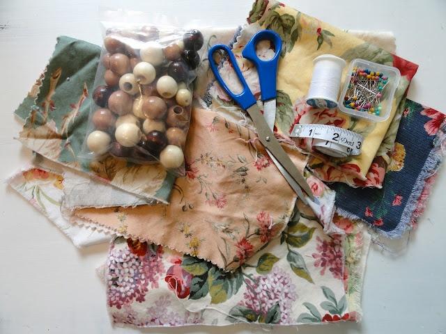 Rachel's Nest: DIY nursing/teething necklace