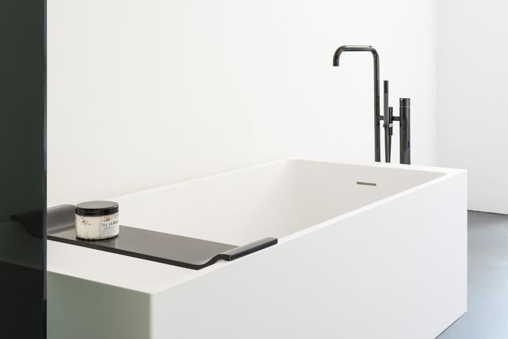 The Axis bath is a free-standing, rectangular bath with rounded internal lines. The sloping side combined with its generous proportions make the Axis a wonderfully comfortable bath tub. #notonlywhite #vola