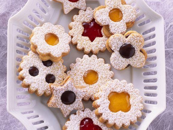 Marmeladenplätzchen (Spitzbuben) ist ein Rezept mit frischen Zutaten aus der Kategorie Plätzchen. Probieren Sie dieses und weitere Rezepte von EAT SMARTER!