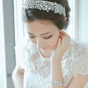 Sparkling Bridal White Base Hoop Hairband