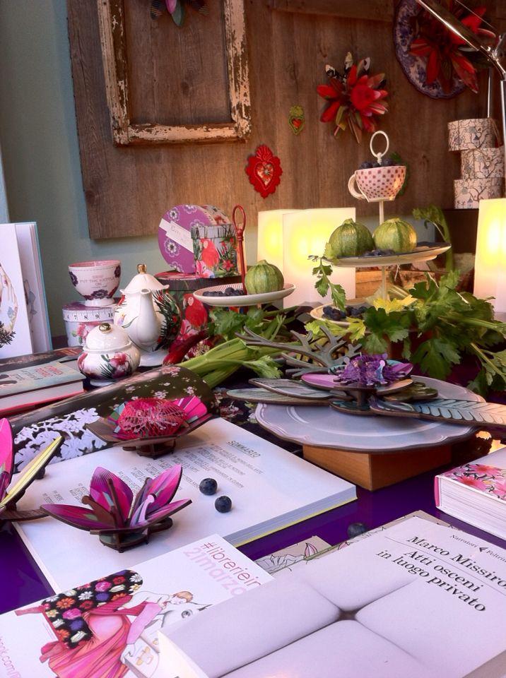 #librerie in fiore!!  Sabato 21 marzo e la mattina di domenica 22    LA LIBRERIA DEL SOLE di Lodi  è fra le 241   librerie che in tutta Italia dedicheranno una   speciale esposizione  e vendita ai FIORI  ed a  tutto quello che è GREEN LIFE