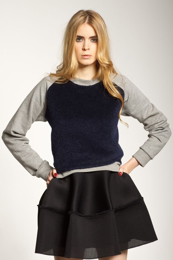 Sweatshirt No.1  Mini Basketwave skirt
