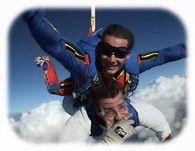 Offrez un saut en Parachute tandem près Calais , le saut en tandem à Calais