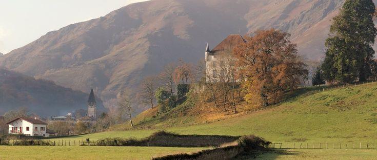 Saint Etienne de Baigorry (Baigorri), village typique du Pays Basque dans le département des Pyrénées Atlantique 64