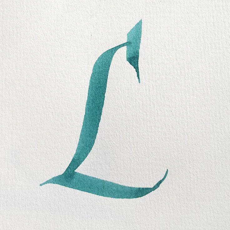 #36dasysoftype #36daysoftype_l #alphabet #kalligrafi #handskrift #skönskrift #textning #calligraphy #lettering #handwriting #letters #italic #italiccapital #l #letterarchive #letterarchive_l