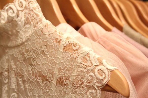 LACE FOR SUMMER: Couture Closet, Color, Bridesmaid Dresses, Fashionista 06340, Amazing Lace, Wooden Hangers, Beautiful Lace, Balloon, Bigger Closet