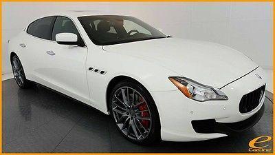 White Maserati Quattroporte