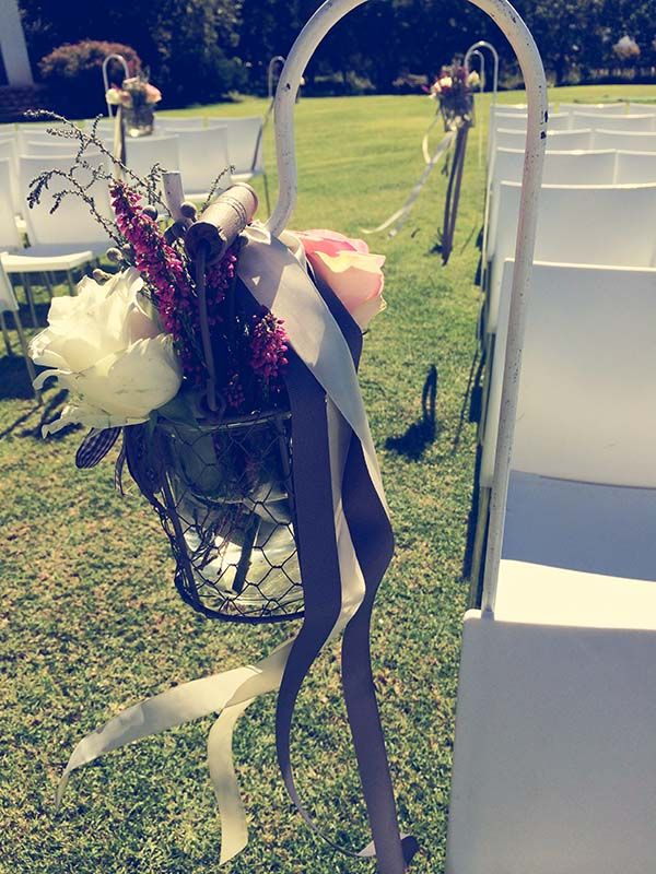 A rustic romantic styled wedding at Vrede en Lust Wine Estate