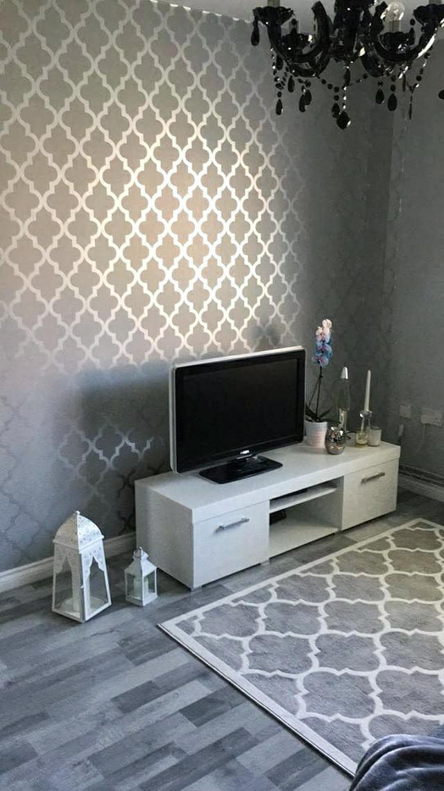 Henderson Interiors Camden Trellis Wallpaper Soft Grey Silver H980527 A Beautiful Silver Wallpaper Living Room Glamourous Dining Room Wallpaper Living Room