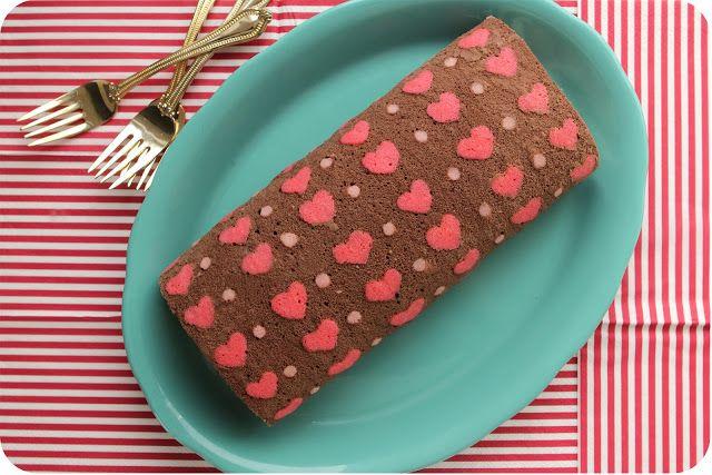 Diply.com - Heart Patterned Cake Roll