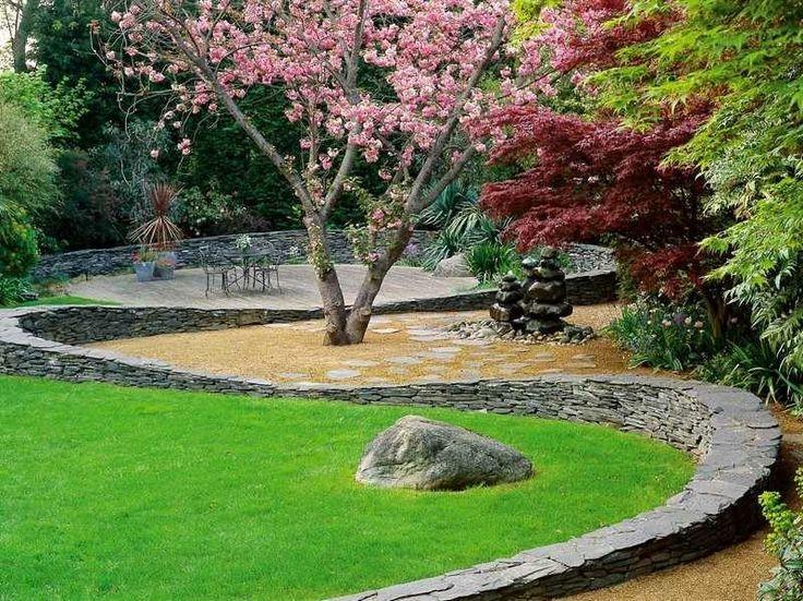 Steinmauer als Blickfang und Sichtschutz im Garten u2013 40 Ideen