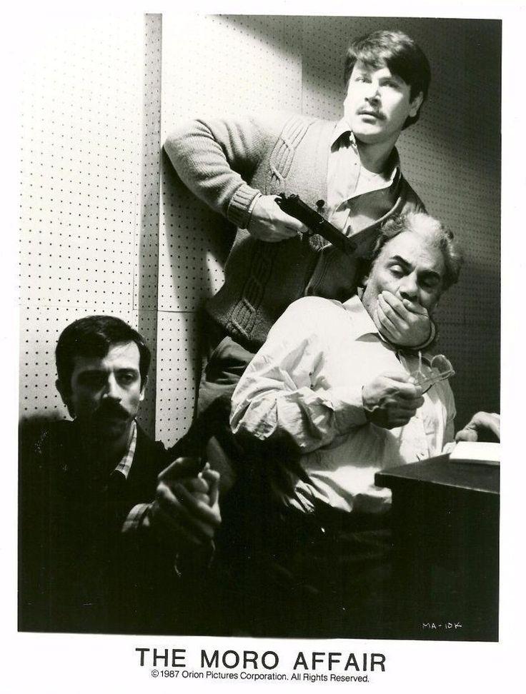 """""""Il caso Moro"""" (1986); regia: Giuseppe Ferrara. Titolo inglese: """"The Moro Affair""""; titolo portoghese: """"Aldo Moro: Herói e Vítima da Democracia""""; titolo tedesco: """"Die Affäre Aldo Moro"""""""