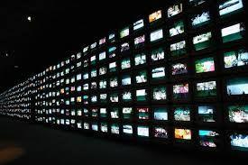 Стена из кучи экранов
