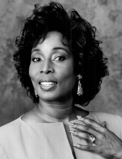 Madge Sinclairr Born Madge Dorita Walters-Sinclair (April 28, 1938 – December 20, 1995) Cancer She was a Jamaican American actress, best known for her roles in Cornbread, Earl and Me, Coming to America, Trapper John, M.D., and the ABC TV miniseries Roots.