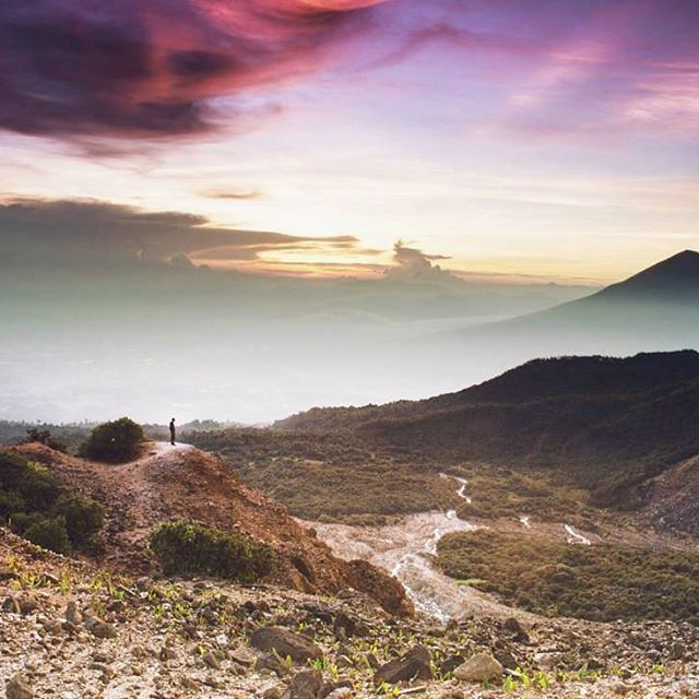 Morning Garut ! Mt.Papandayan, Garut - Indonesia  Photo by @muhamadyusup  Thanks and keep melonggarut !  #papandayan