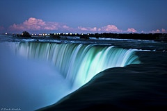 The Mighty Niagara - one of those places on the lIst of Things You Have to Visit Before you Shuffle Off.