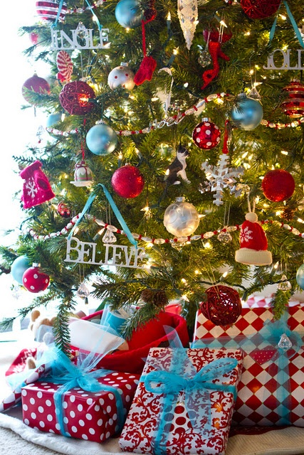 Red white and blue Christmas (I like the blue, but would love this with green ribbon too)