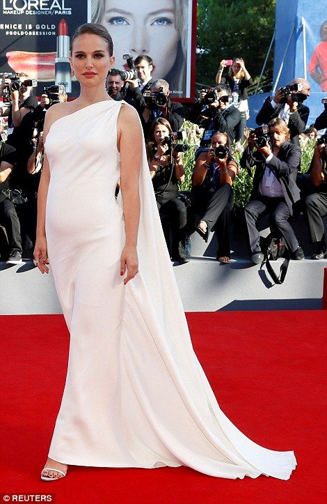 Has the stork paid a visit? According to US Weekly the actress, 35, is pregnant…