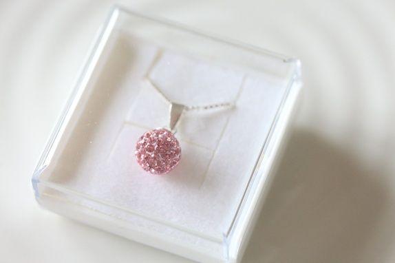 Nydelig sølvsmykke med rosa steiner, 925s