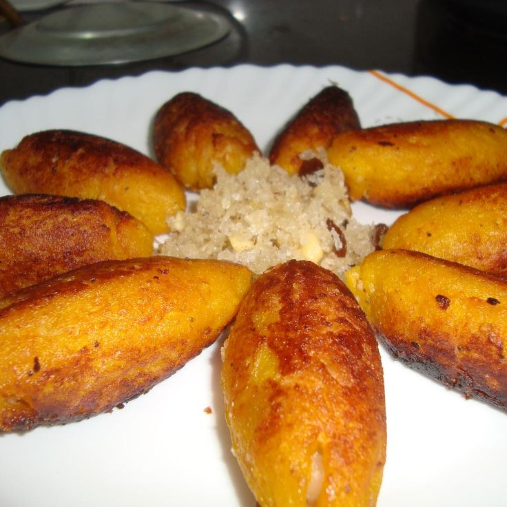 29 best malabar foods images on pinterest cooking food cooking great recipe for unnakkaaya banana flambe fritters unnakkaaya is a malabar special tea time snackis can be made with or without egg forumfinder Gallery