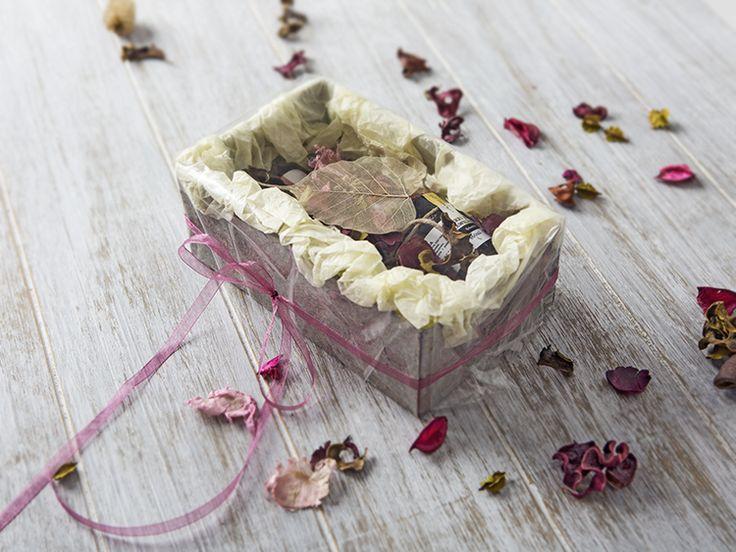 DIY-Anleitung: Unförmige Geschenke verpacken via DaWanda.com